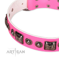 Lederhalsband in Rosa Farbe